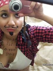 Picture set of a selfshooting GF in a pirate