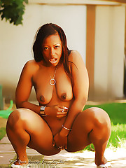 Cherokee ges freaky outside and flashes her titties