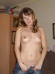 Photo gallery of a sexy wife posing for her hubby