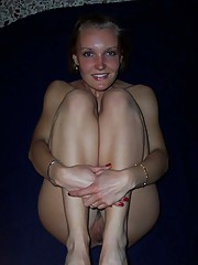 Photo gallery of a kinky housewife in skanky poses