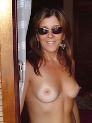 Pictures of hot and sexy MILFs