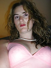 Photo gallery of an amateur naughty MILF camwhoring