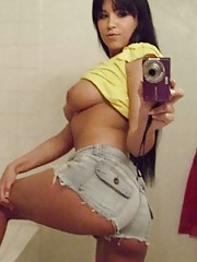 Picture gallery of an amateur heavy-chested honey selfshooting