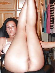 Picture selection of an amateur curvy girlfriend dildoing her pussy