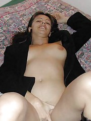 Photo gallery of a horny babe dildoing and poking her twat