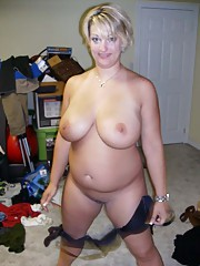 Photo gallery of two hot amateur sleazy BBWs