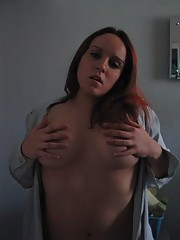 Pictures of a chunky redhead who got naked