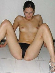 Picture collection of an amateur GF who got banged in the ass