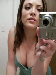 Picture collection of an amateur kinky cutie who got naked