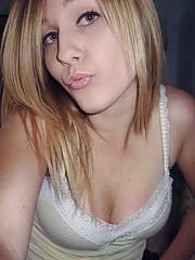 Picture set of amateur camwhoring teen bitches