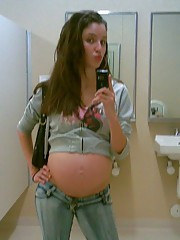Homemade candid pictures of amateurs pregnant girlfriends