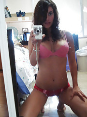 Collection of amateur girlfriends� hot selfpics