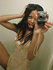 Photo set of an amateur black girlfriend posing naked
