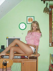 Picture collection of a chick doing a sexy photoshoot in her room