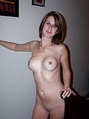 Kinky housewife gets naughty with her hubby on cam