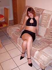 Photo gallery of steamy hot sexy naughty amateur housewives