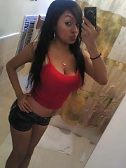 Photo gallery of an amateur sexy kinky heavy-chested babe camwhoring