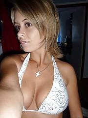 Photo gallery of an amateur kinky sexy busty babe camwhoring
