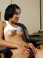 Picture selection of a horny amateur webcam babe masturbating