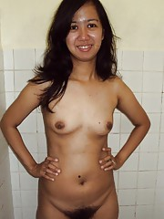 Wild Filipina girlfriend showing off her very hairy pussy