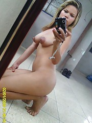 Amateur naked chica camwhoring in a storage room