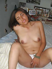 Picture collection of an amateur naughty Spanish slut Kiare masturbating