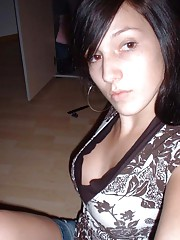 Photo gallery of an amateur gorgeous chica posing