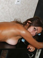 Picture collection of an amateur sexy naked Latina all oiled up