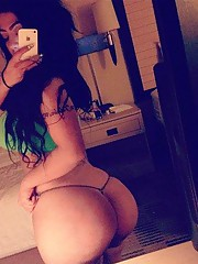 Picture gallery of sexy inked and pierced girlfriends