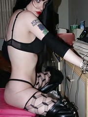 Photo gallery of a steamy hot amateur naughty rocker chick