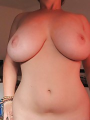 Naughty chunky chick posing naked at home
