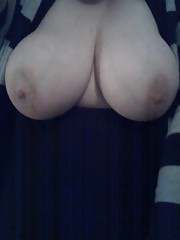 Kinky chubby GF with huge breasts flaunts her ass