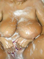 Amateur BBW slut playing with herself in the tub