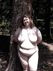 Amateur huge GF who loves posing nude outdoors