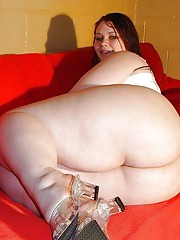 Collection of wild amateur BBWs posing sleazy for the cam