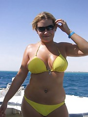 Photo gallery of a group of hot kinky amateur BBWs