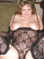 Picture compilation of an amateur skanky BBW in her lingeries