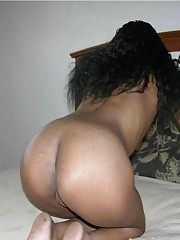 Horny naked amateur black GF displays her pussy