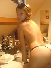 Compilation of a babe camwhoring in the nude