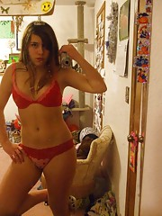 Sexy kinky amateur hottie selfshooting in her room