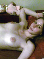 Photo gallery of a steamy hot naked amateur GF