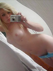 Photo gallery of sexy amateur girlfriends posing